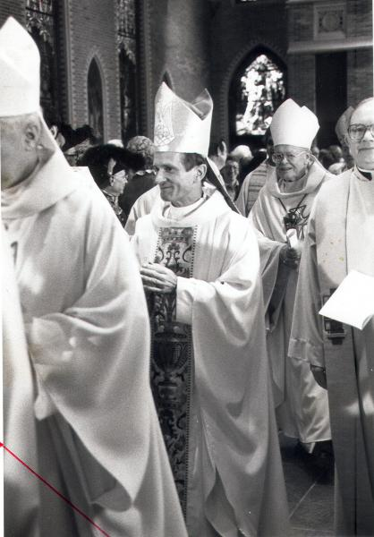 Bishop Ott at his installation in 1983